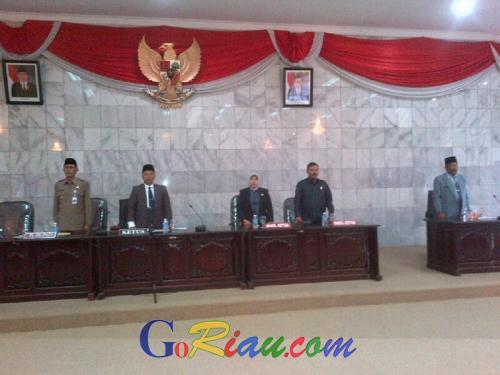 Umumkan Hasil Pilkada 2015, DPRD Inhu Paripurnakan Yopi-Khairizal
