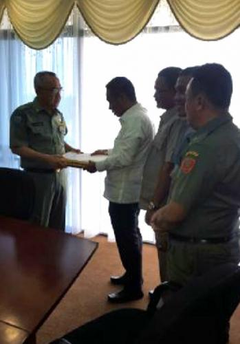 Plt Gubri Terima Usulan Pengesahan dan Pengangkatan Syamsuar-Alfedri Sebagai Bupati dan Wakil Bupati Siak