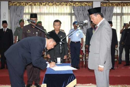 Walikota Lantik HM Noer Sebagai Sekretaris Kota Pekanbaru