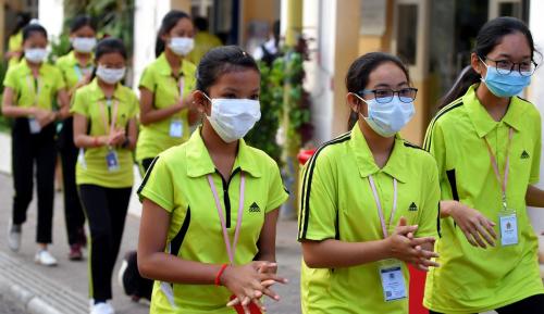 Di Kamboja Mudah Dapatkan Masker dan Hand Sanitizer