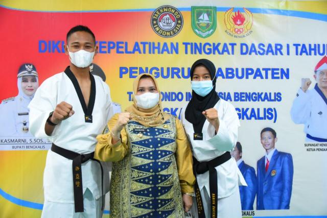 Dua Atlet Taekwondo Bengkalis Perkuat Riau di PON Papua