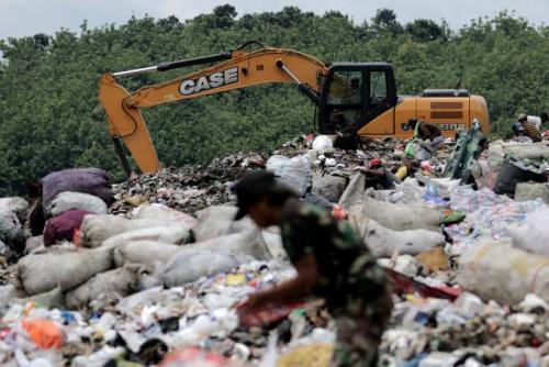 DLH Pelalawan Operasikan 24 Truk Sampah, Daya Tampung TPA Kemang Masih Aman