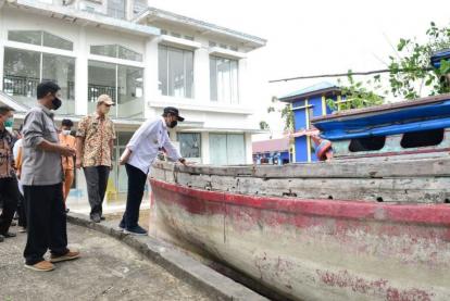 Tegas! Gubernur Riau Minta Sanksi Sita Kapal Pelaku Illegal Fishing Diberlakukan