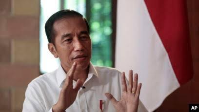 Terkait Wacana Larangan Pakai Cadar, Jokowi: Kalau Ada Ketentuannya, Harus Dimaklumi