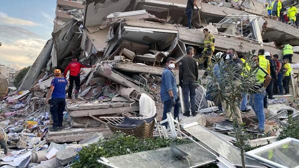 Korban Gempa Magnitudo 7,0 di Turki Terus Bertambah, 39 Tewas dan 900 Terluka