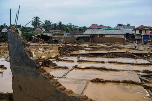 Banjir Bandang Hancurkan 14 Jembatan di Lebak