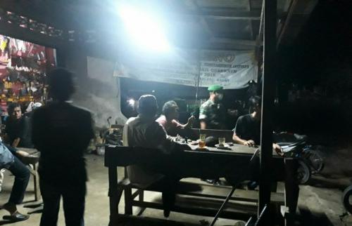 Babinsa Koramil 08/Tandun dan Tim Gabungan Pencegahan Covid-19 Razia keramaian