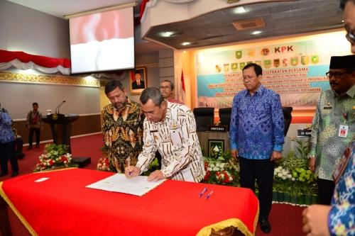 Libatkan KPK, Pemprov Riau Teken Nota Kesepahaman bersama Direktorat Jenderal Pajak dan Badan Pertanahan