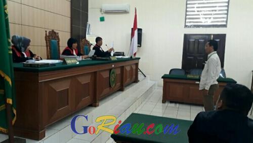 Majelis Hakim PN Pelalawan Jatuhkan Vonis 1 Bulan Penjara Ketua PPK Pangkalan Kuras