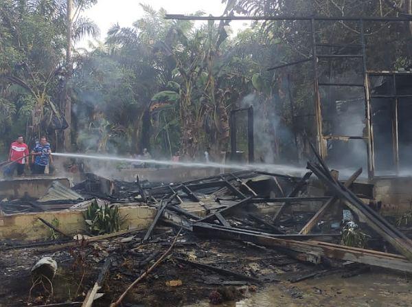 Pertalite Tumpah ke Badan, Ibu Rumah Tangga di Inhu Terbakar dan Hangus Hingga Tewas