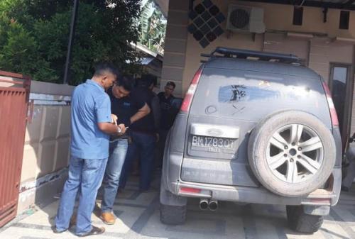 Waduh.., Mobil Warga Pekanbaru Dilempar Bom Molotov Berbahan Pempers dan Pembalut Wanita