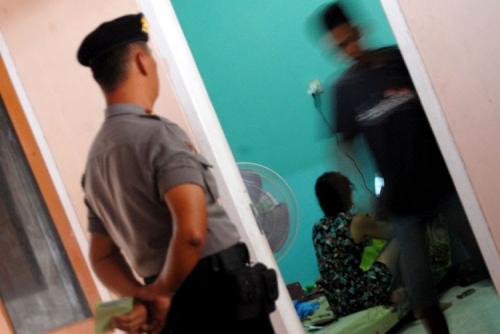 Polisi Gerebek Istri Lagi Ngamar bersama Dokter, Begini Kronologisnya