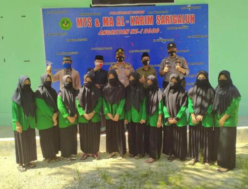 Pondok Pesantren Darul Quran Al Karim Dapat Bantuan 100 Al-Quran dan 100 Kg Beras dari Polisi