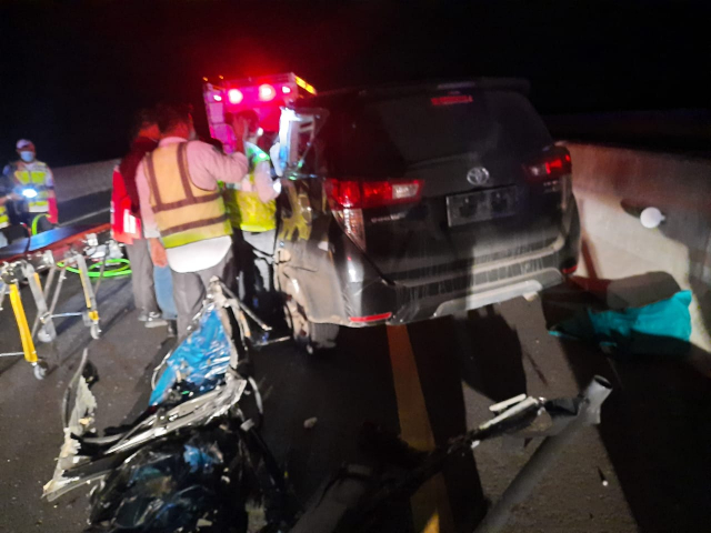 Kecelakaan Maut di Jalan Tol Pekanbaru - Dumai, Inova Tabrak Truck Fuso, Satu Tewas