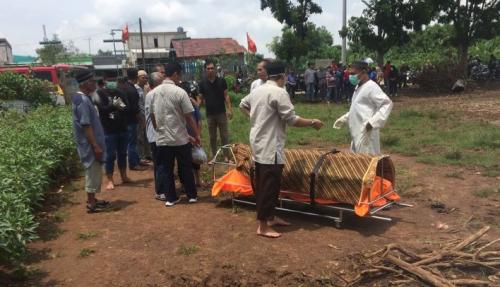 Pemakaman Jenazah Pasien Suspect Corona di Bekasi Tetap Sesuai SOP, Petugas Pakai Baju Pelindung
