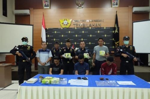 3 Tersangka Pembawa Narkoba Seberat 5 Kg yang Ditangkap di Pelabuhan Pelindo Tembilahan Berasal dari Aceh