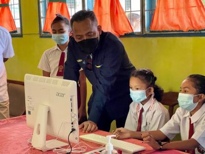 Hardiknas, PTPN V Salurkan 25 Komputer dan Internet Selama Setahun Wujudkan Merdeka Belajar