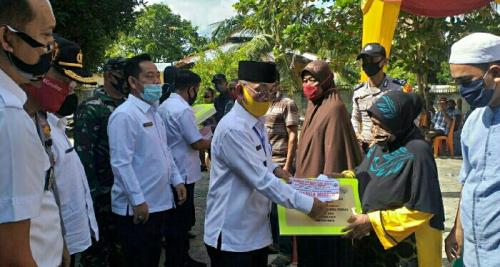 1.865 Penerima, BLT-DD di Kecamatan Pangkalan Kuras Pelalawan Disalurkan