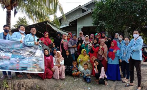 Mahasiswa Kukerta Unri Gelar Pelatihan Kerajinan Tali Kur dan Rajut di Kampung Baru