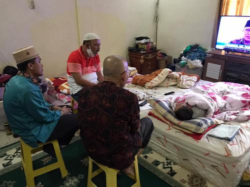 Terbaring Lemas, Pendiri dan Mantan Bupati Rohul Ini Beri Support Untuk Hamulian - Topan di Pilkada Rohul