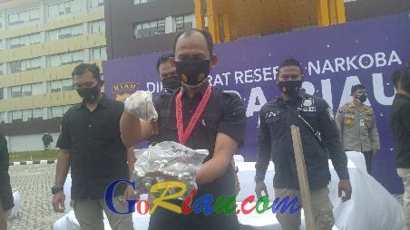 Polda Riau Ungkap Peredaran Narkoba Cair di Pekanbaru yang Dikendalikan dari Lapas Pariaman Sumbar
