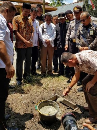 Peletakan Batu Pertama Pilot Project Program Indonesia Terang LPCI, Rosdaner Ajak Masyarakat untuk Sama-sama Menjaga
