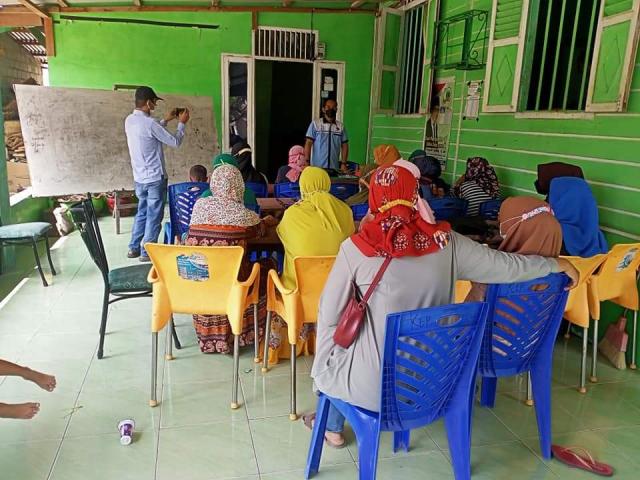Husaimi Hamidi Buat Pelatihan untuk Warga Rohil, yang Berhasil Bakal Jadi Anak Angkat