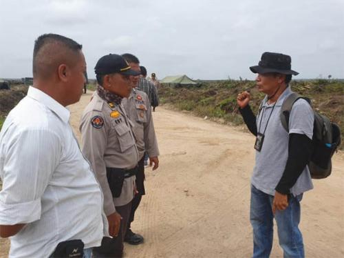 Suasana Eksekusi Lahan di Desa Gondai Mencekam, Warga Kritis, Kamera Wartawan Dirampas