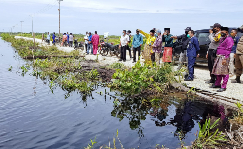 Tinjau Progres Pembangunan Infrastruktur di Rangsang, Targetkan Desember 2020 Sudah Tuntas