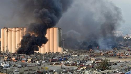 Prajurit TNI Bantu Evakuasi Korban Ledakan Dahsyat di Beirut