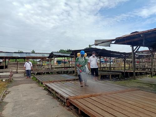 Cegah Meluasnya Penyebaran Covid-19 di Kecamatan Gasib, Camat Puji PT KTU Lakukan Penyemprotan Disenfektan