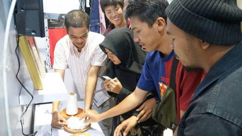 Ribuan Warga Pekanbaru Antusias Ingin Tahu Viscose Rayon
