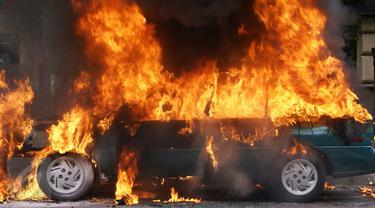 Mobil Honda Brio Terbakar, Diawali Kopling Terasa Berat dan Keluarnya Asap