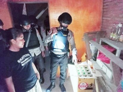 Patroli Malam, Tim Tembak Polres Kampar Amankan Miras dari Warung Remang-remang di Bangkinang