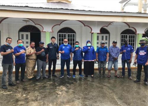 Partai Demokrat Rohil Sumbang Tong Air dan Sterilkan Rumah Ibadah