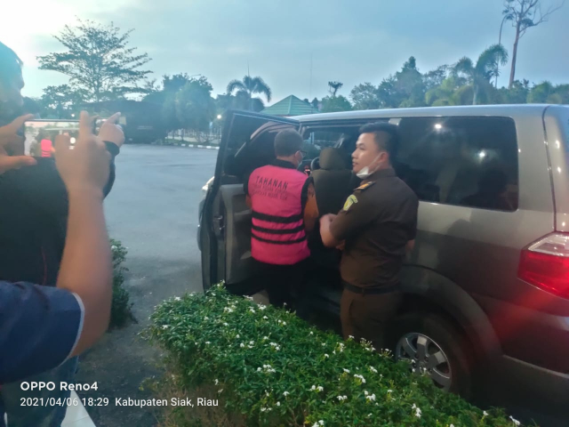 Diduga Korupsi Belanja Langsung, Mantan Kasubag Keuangan Kecamatan Kandis Kini Ditahan di Rutan Sialang Bungkuk