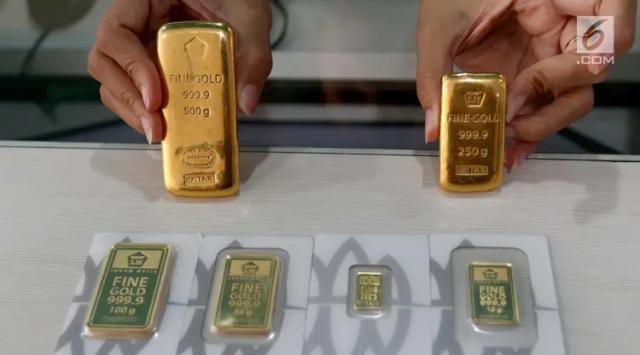 Harga Emas Antam Hari Ini Turun Jadi Rp920.000 per Gram