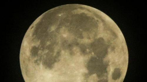 Begini Penampakan Gerhana Bulan Penumbra Dini Hari Tadi
