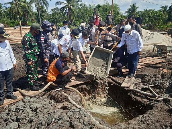 Kapolda Riau dan Bupati Meranti Hadiri Peletakan Batu Pertama Pembangunan Masjid Jannatun Naim Sungai Cina