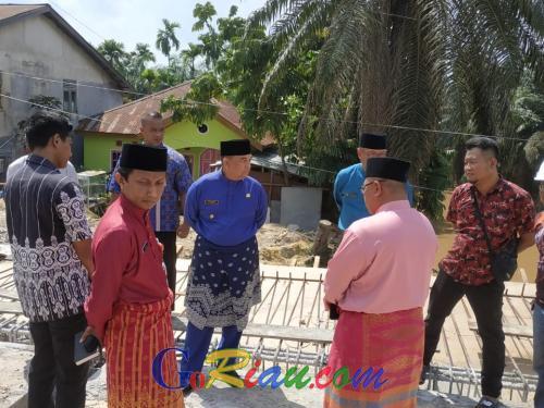 Sidak Proyek Pembangunan Jembatan Sail Pekanbaru, Wagubri Edy Nasution Kecewa Progres Baru 43 Persen