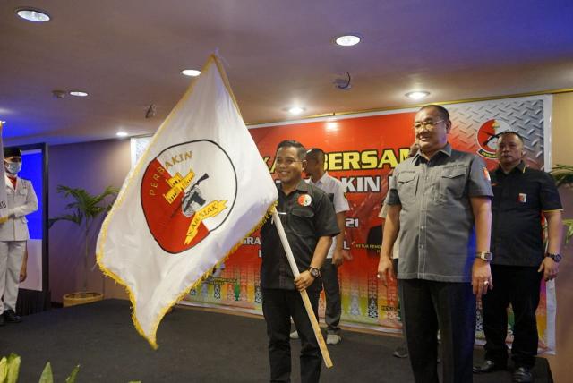 Azmi Mulai Persiapkan Atlet Menembak untuk Ikuti Iven yang Ditaja Pengprov Perbakin Riau