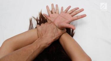 Tidur Sendirian di Rumah Malam Hari, IRT Nyaris Diperkosa Tetangga, Pelaku Sudah Masuk Kamar Korban dan . . . .