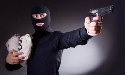 Polda Riau Ringkus 2 Rampok Bersenjata yang Gasak Rp125 Juta Uang Bank BRI Bathin Solapan Bengkalis
