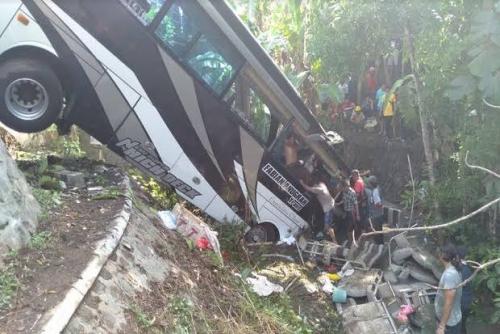 Bus Bawa Rombongan Guru TK Terjun ke Sungai, 5 Orang Tewas, Ini Identitas Korban