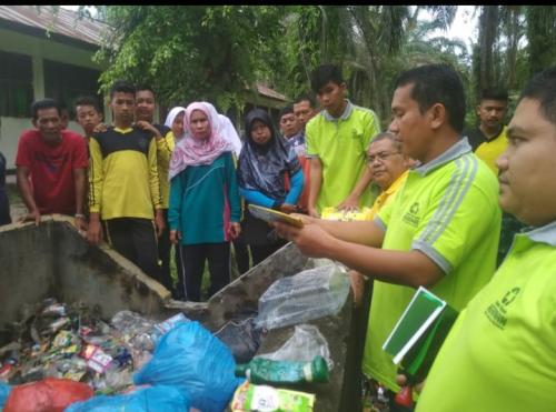 Gandeng Bank Sampah Beriman, SMPN 5 Sentra Kuansing Sosialisasi Pemilahan Sampah Plastik