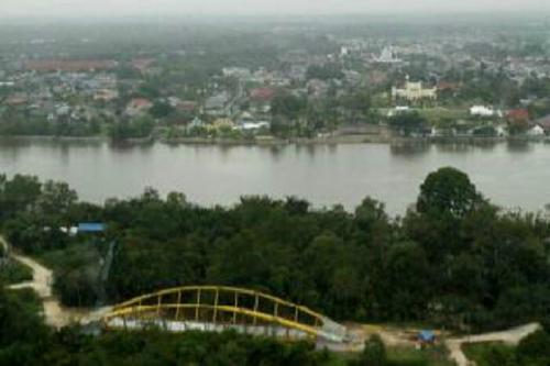 Ingin Nikmati Kecantikan Jembatan Kupu-kupu yang Satu-satunya di Indonesia, Datanglah ke Negeri Istana