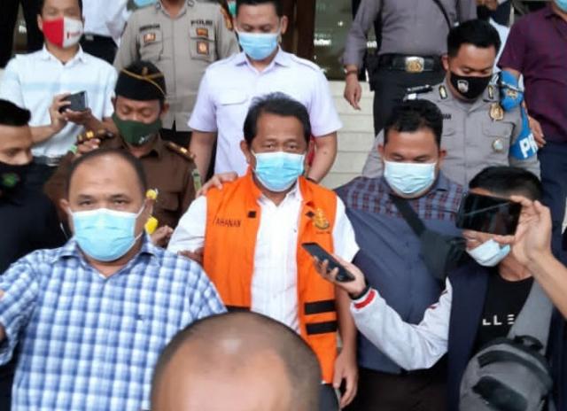 Jadi Tersangka dan Ditahan Kejati Riau, Perlukah Sekdaprov Yan Prana Jaya Diganti?