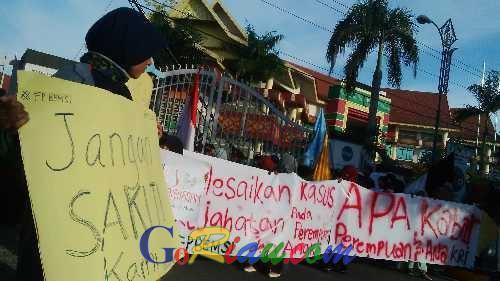 Sambut Hari Perempuan, Forum Perempuan BEM-SI Gelar Aksi Damai di Depan Gedung DPRD Riau