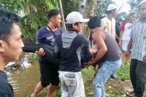 Heroik, Polisi Berpangkat Bripda Terjun ke Sungai Selamatkan Gadis yang Coba Bunuh Diri
