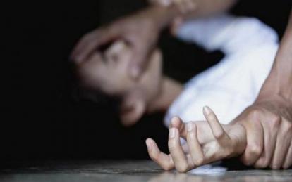 Diajak ke Rumah dan Ditarik Masuk Kamar, Siswi Diperkosa Pacarnya yang Masih SMA